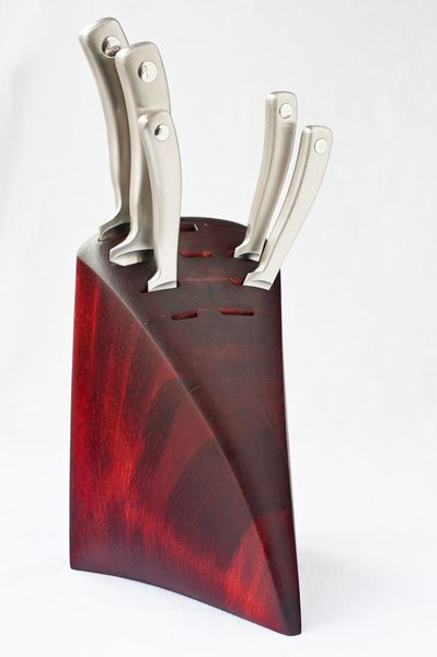 Here There S A Perfect Example Of How It Is Possible To Create A Common Object For Everyday Use Lot S Of K Knife Holder Kitchen Knife Holder Unique Knives