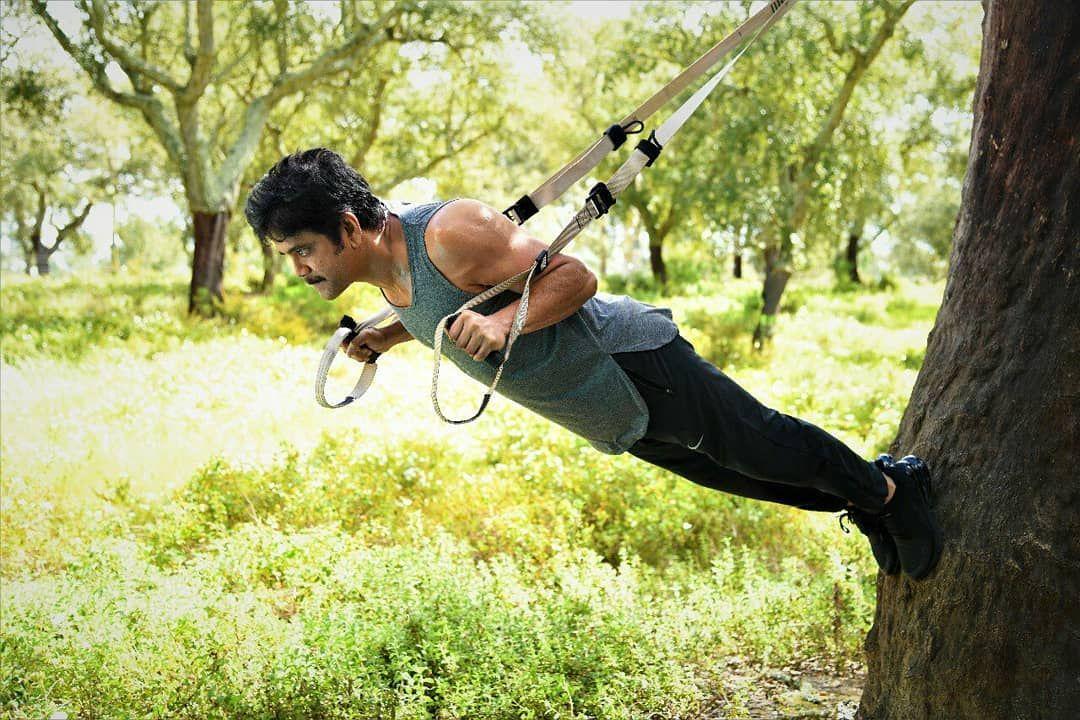 King Iamnagarjuna S Balancing Stunts On The Sets Of Manmadhudu2