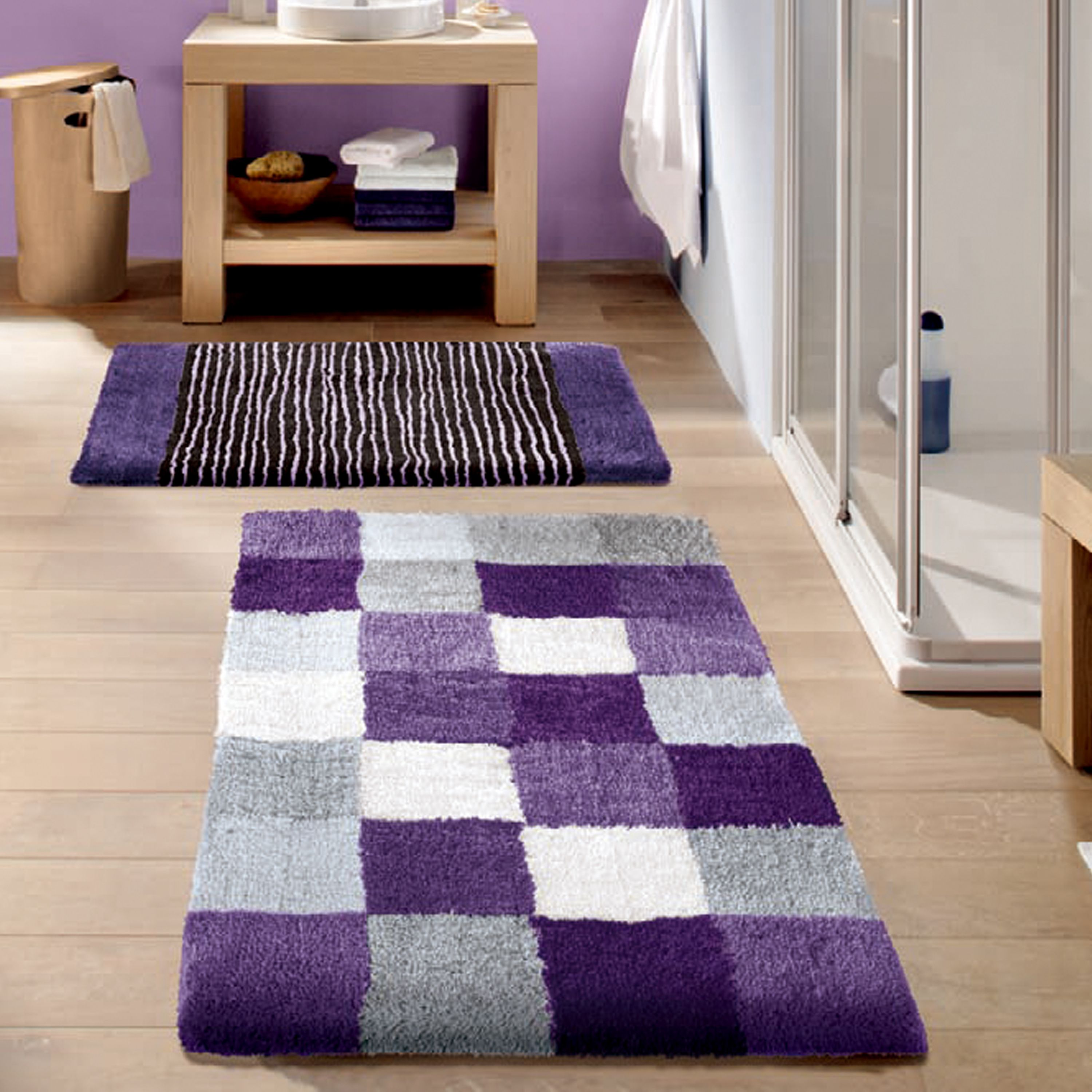 Purple Is A Very Creative Color Theme For A Bathroom It Is Simple And Relaxing And Just Beautiful From Ba Purple Master Bedroom Bathroom Rugs Purple Bedrooms [ 3000 x 3000 Pixel ]