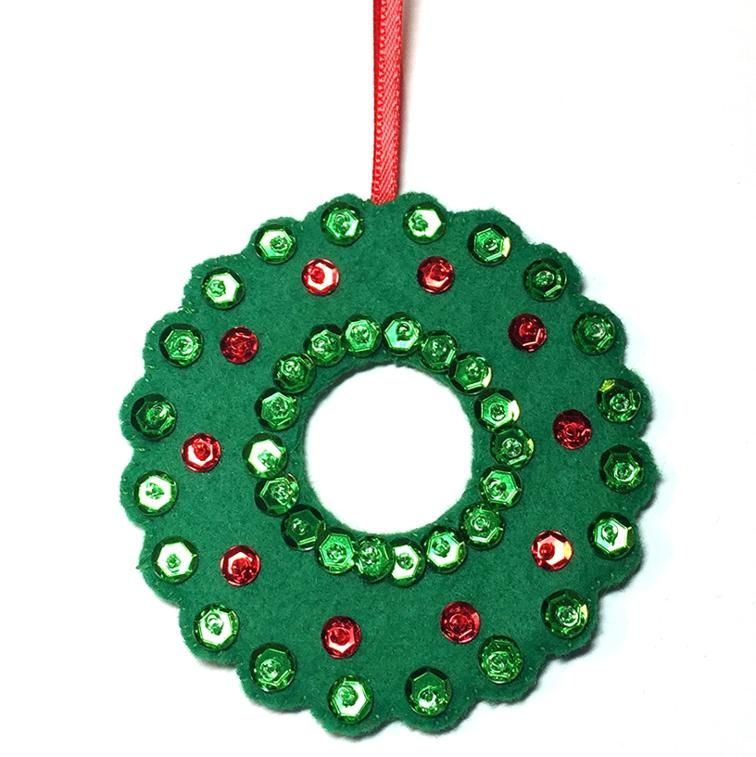 Free Sewing Pattern: Wreath Ornament   Christmas Decorations ...