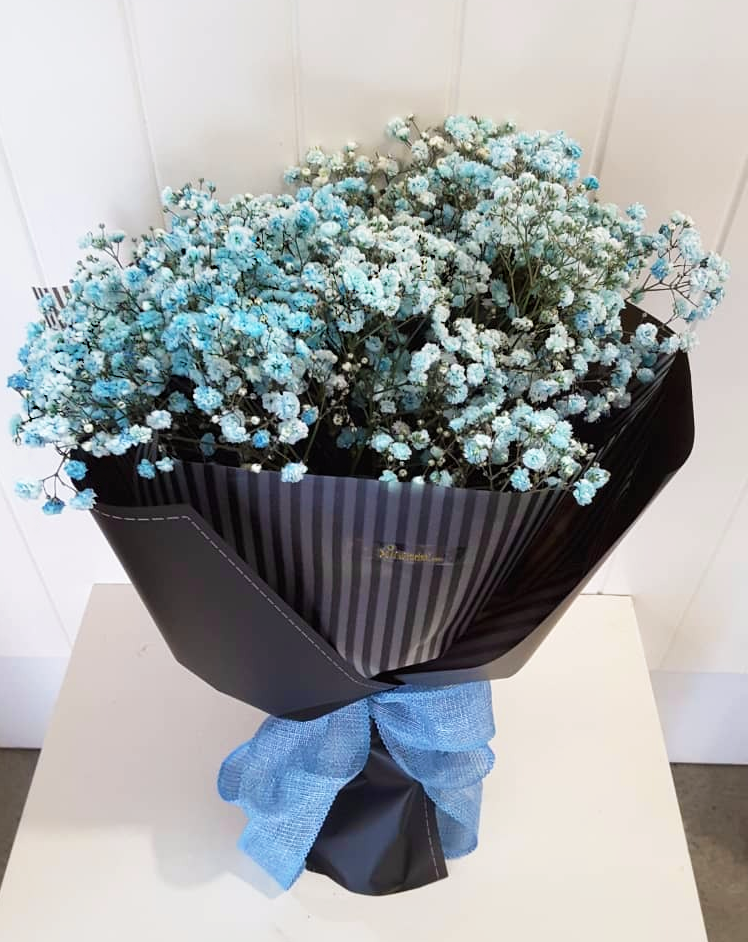 Hello Everyone It S Tgif Baby Breath In Blue Our Contact Whatsapp Wechat 016 721 6822 Call 07 35 Online Flower Shop Online Florist Flower Shop