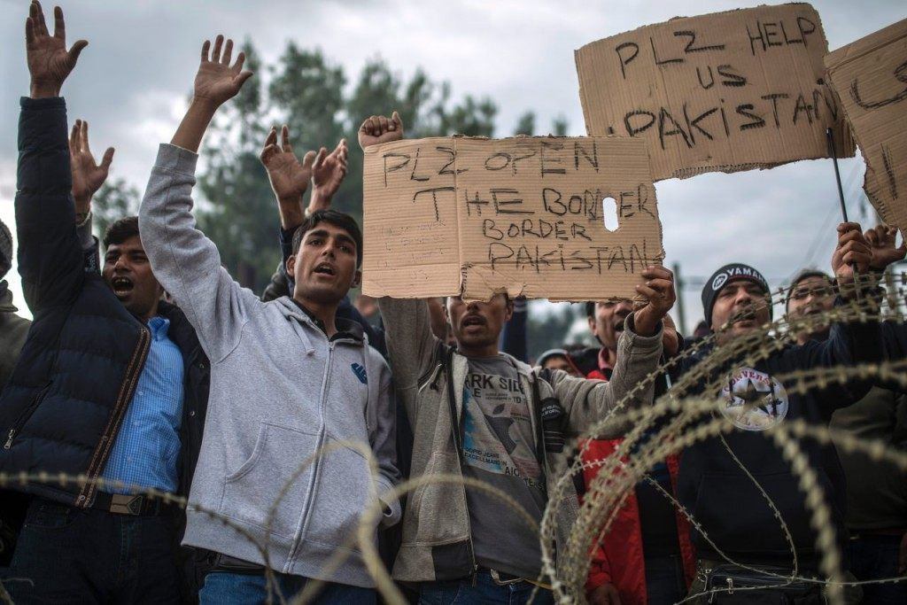 Pics Economic Migrants Sew Lips Shut Demand To Be Shot In Protest At European Border Border Un Refugee Northern Europe