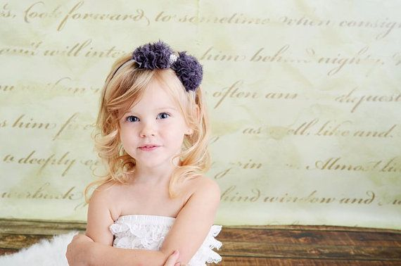 Gray Chiffon Bow with Pearls Stretchy Silver