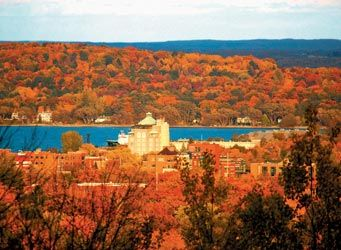 Fall Colors Traverse City Mi There Is The Park Place Hotel Michigan Road Trip Traverse City Michigan Traverse City