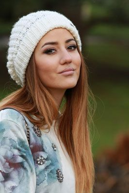 girl with ombre hair wearing a pale beanie | Alys and ...