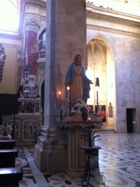 Cattedrale# Statua Vergine per la Festa dell' Immacolata Concezione. Da Cagliari ricevo e pubblico : grazie Marilù !
