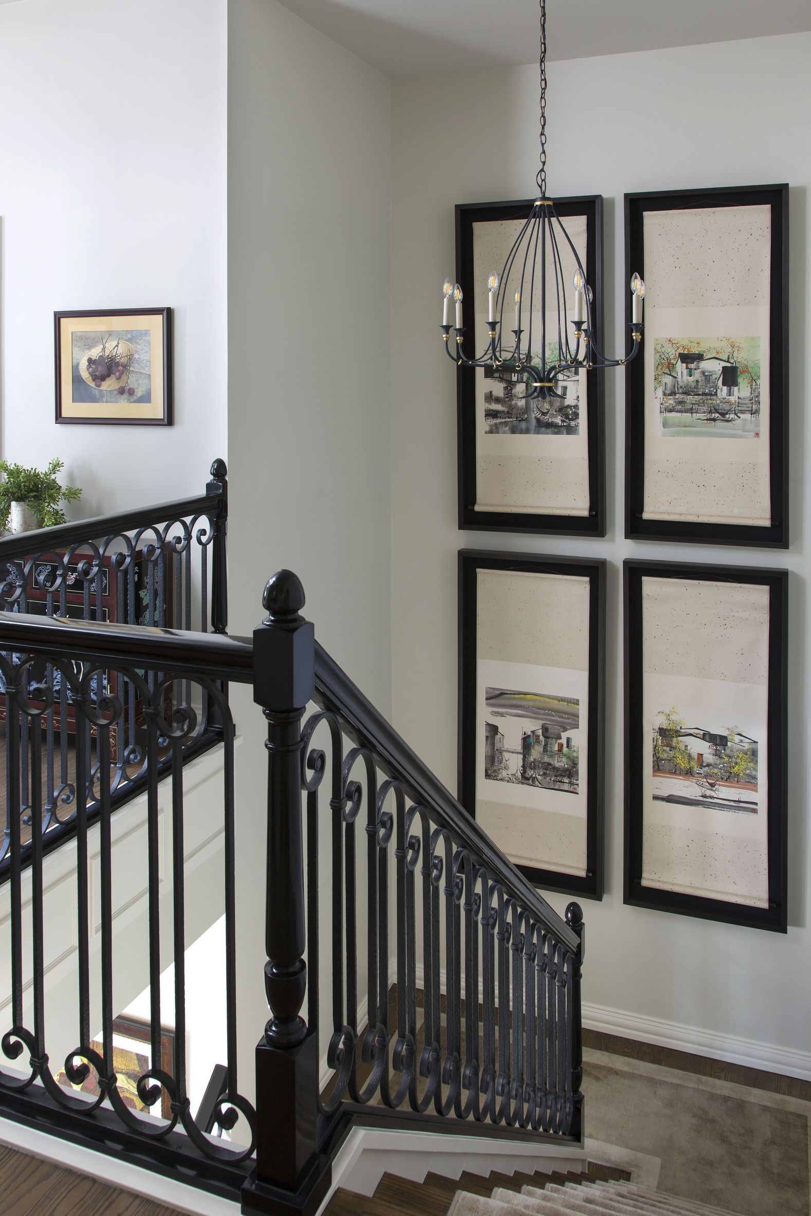 27 Stylish Staircase Decorating Ideas | Staircase wall ...