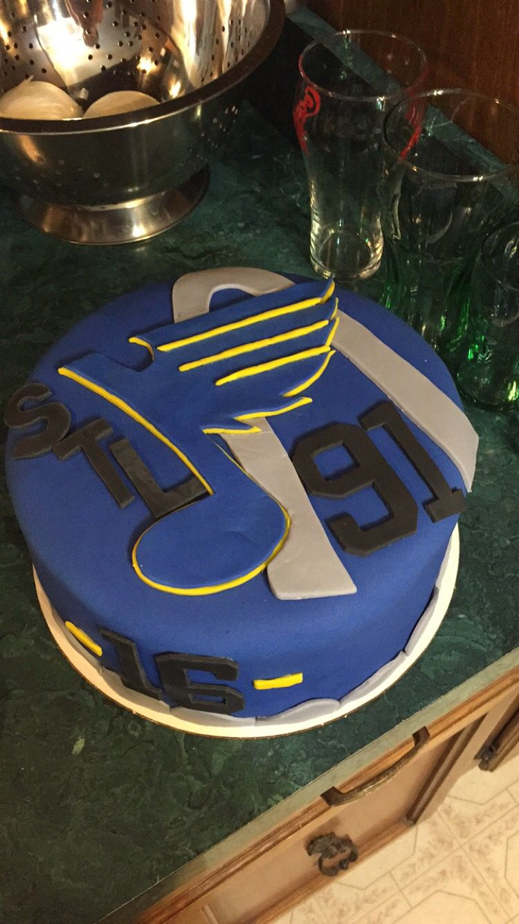 St. Louis Blues hockey cake | Cakes by Me | Hockey cakes, Blue ...