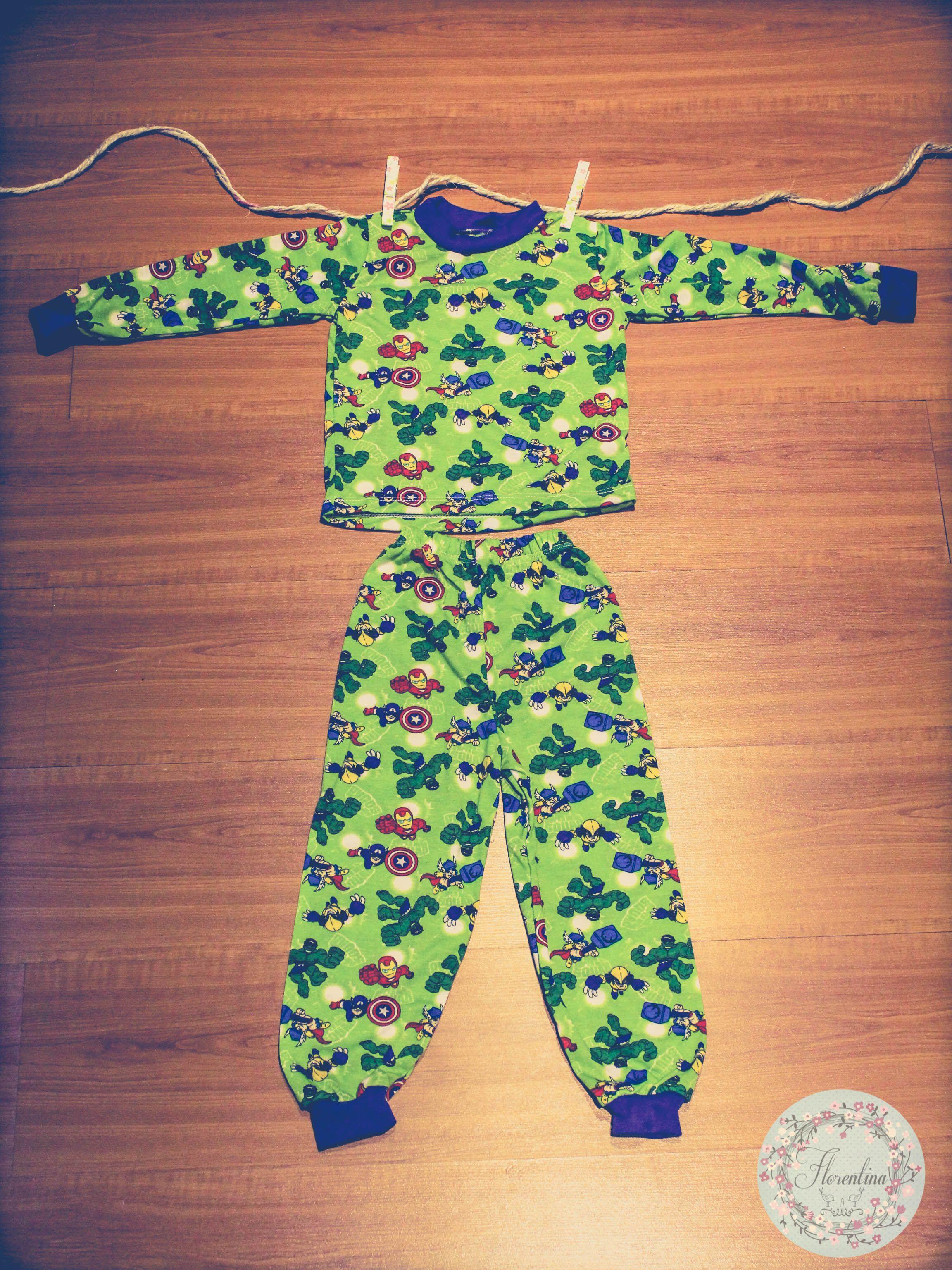Pijama verde para niños de Florentina. Encuéntralas en nuestra tienda en línea en www.kuskua.com.