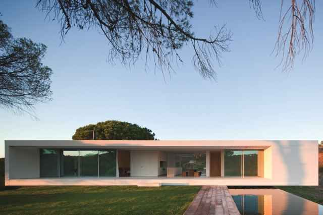 Minimal House In Portugal 8 Minimalist House Design Architecture House Modern House Design