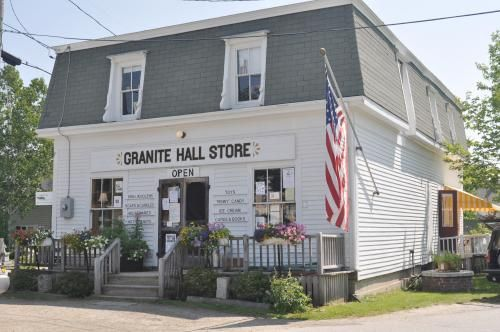 Granite Hall Store Round Pond Maine The Last Place The Fam Used To Stop For Penny Candy Ice Cream After A Day At Maine Vacation Maine Living Maine House