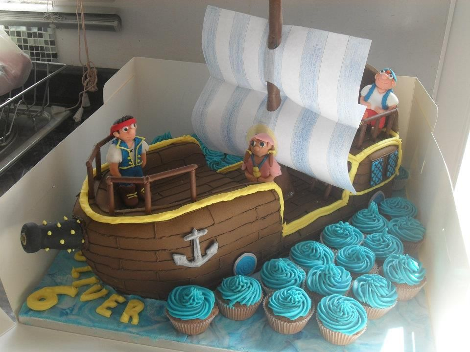 Pirate Ship Choice of sponge and filling Cake Pinterest Pirate