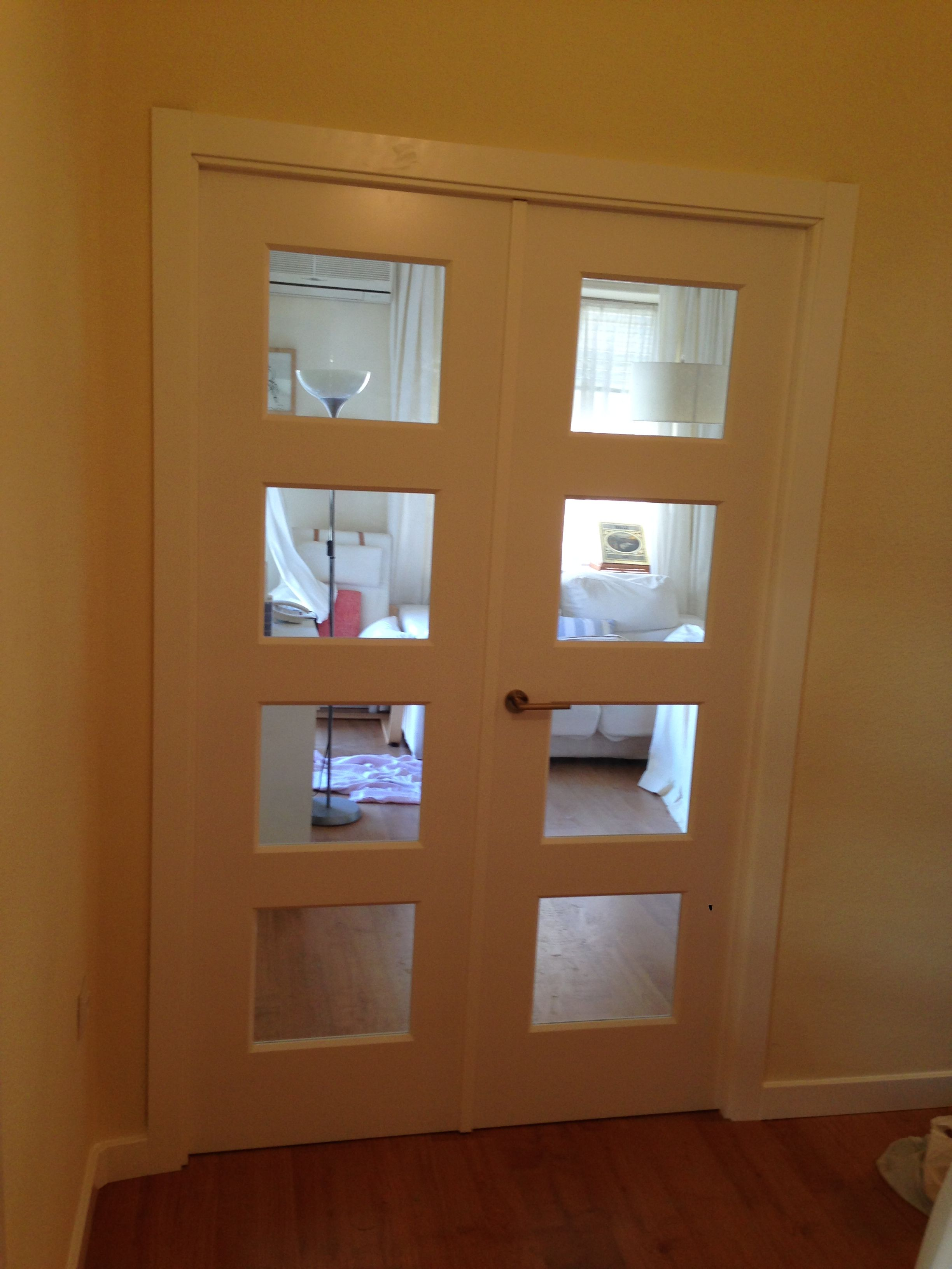 Puerta doble modelo bosco v4 cristal transparentetarima for Puerta doble madera