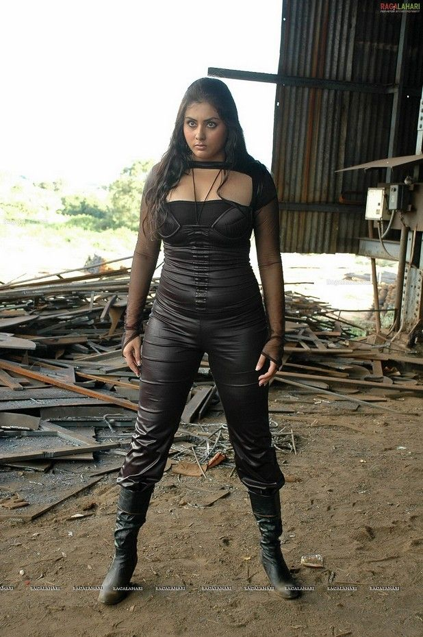 South Indian Actress Namitha Hot Photos From Telugu Movie Love
