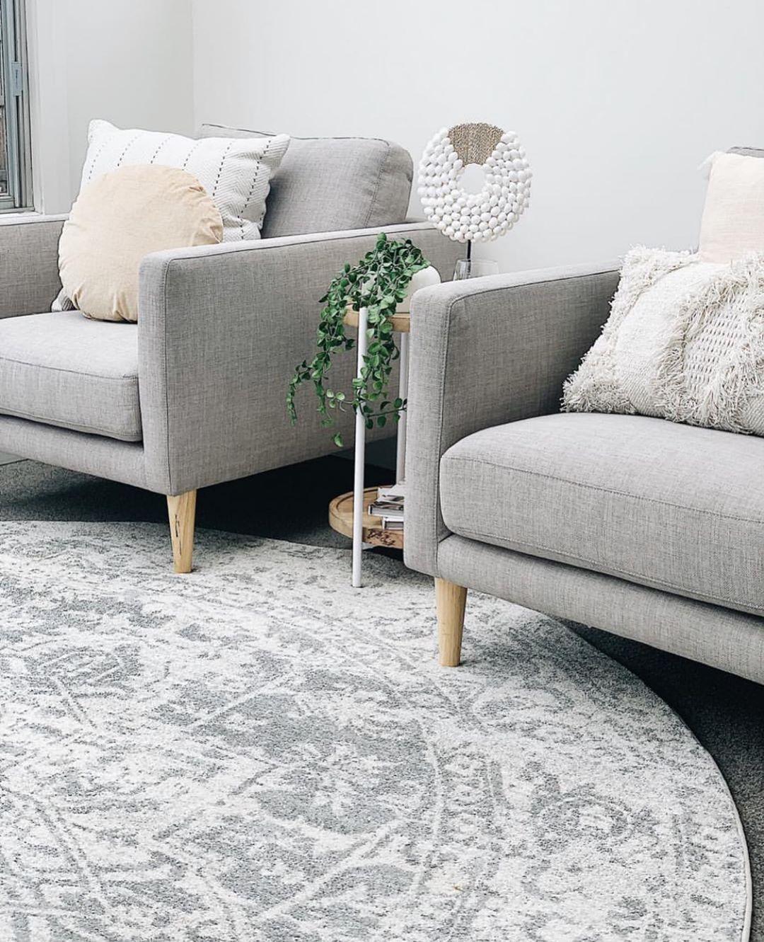 Bafra distressed grey ivory transitional round rug
