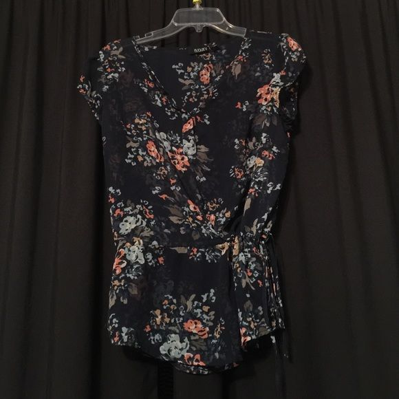 Sheer top Beautiful floral top with drawstring at the waist. Gently worn. Tops Blouses