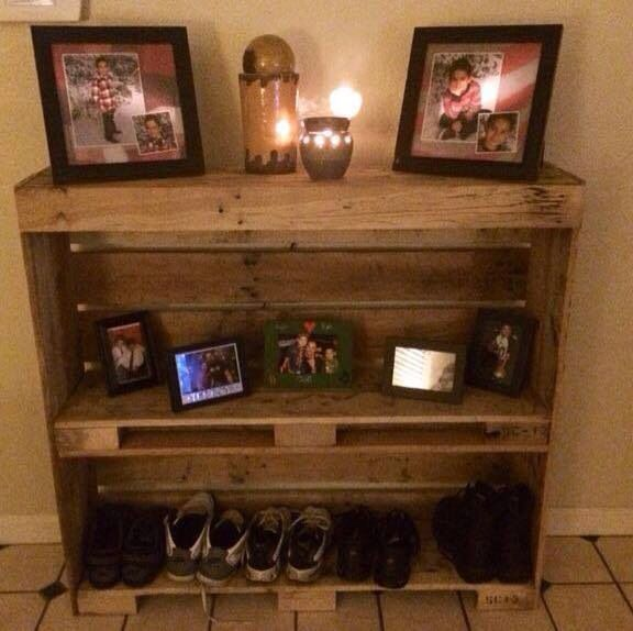 10 Diy Garden Ideas For Using Old Pallets: Pallet Bookshelf (With Images)