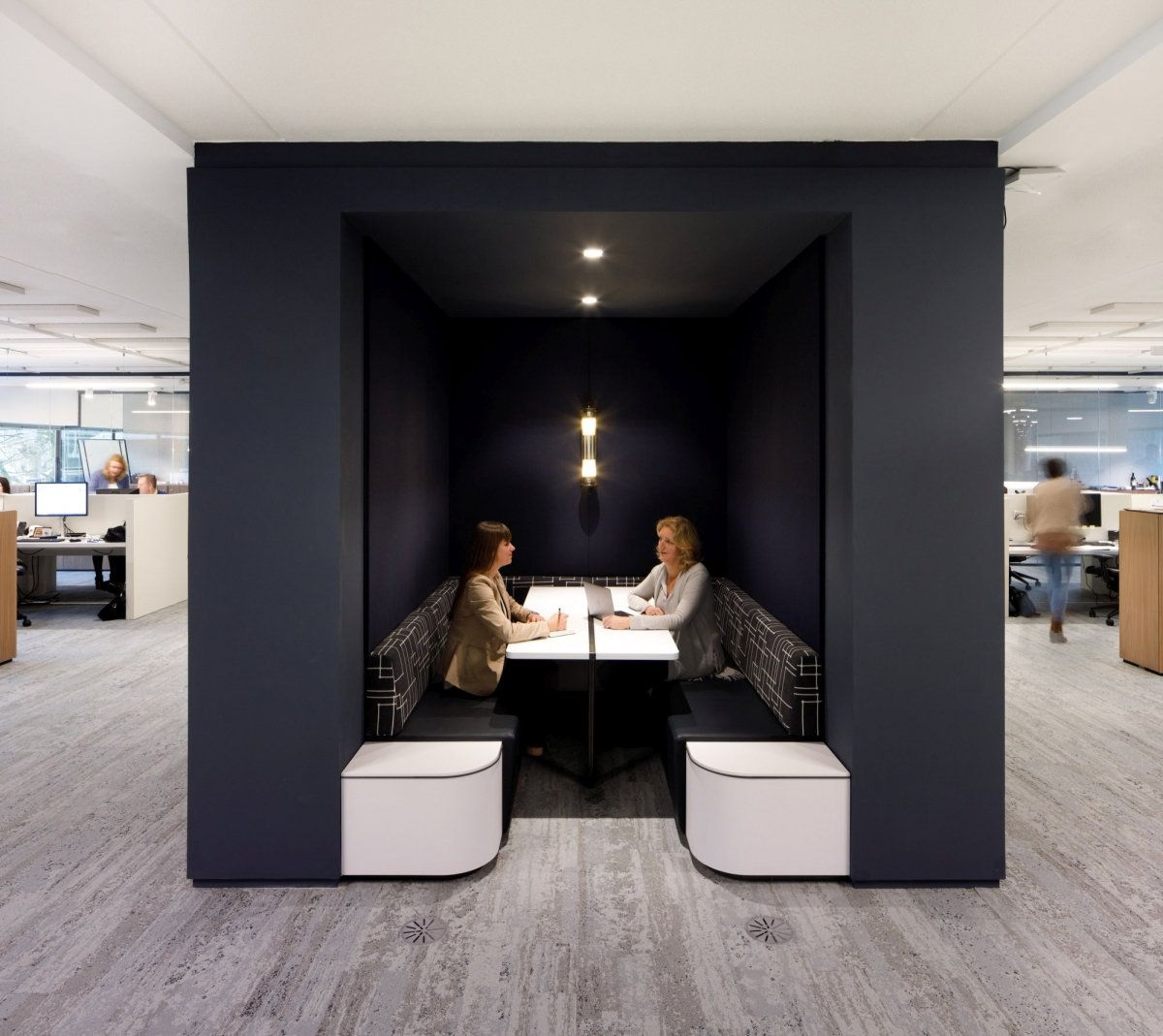 Office Tour Vopak Headquarters Rotterdam Rotterdam Workplace  # Muebles Rotterdam Bogota