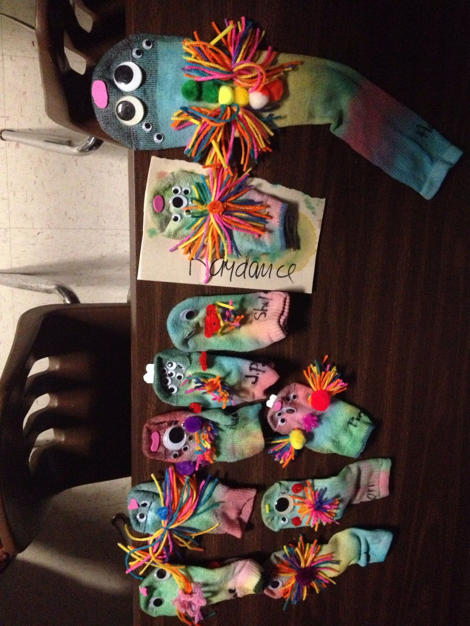 Sock Puppets Food Coloring Is A Good Way To Tie Socks