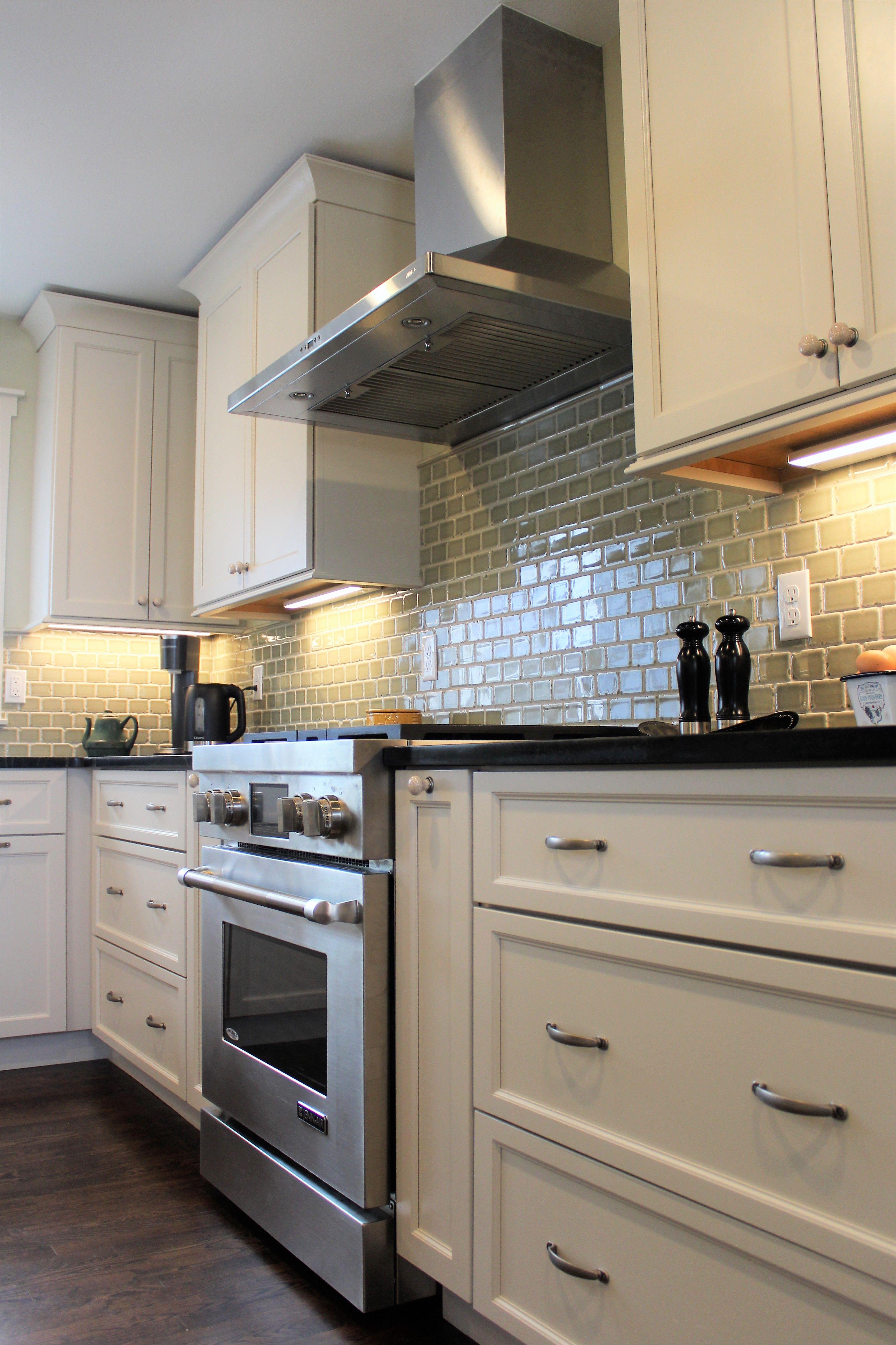 White Kitchen With Soapstone Countertops Kitchen Ideals Kitchen Remodel Kitchen Redo