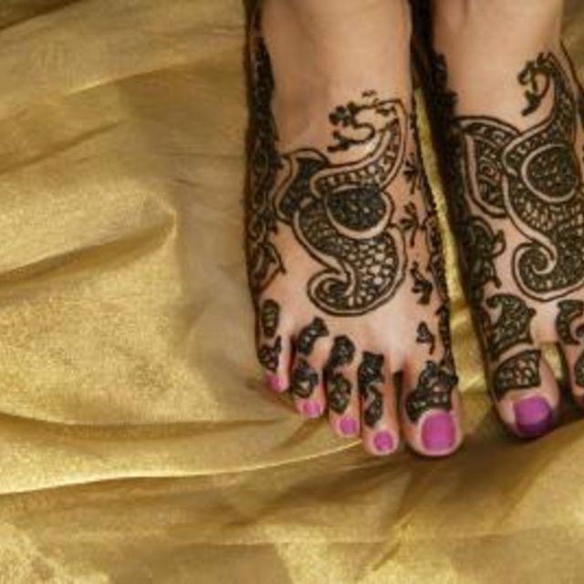 Make Your Henna Tattoo Last Longer Using Saniderm: How To Make Henna Tattoos Last Longer (With Images)
