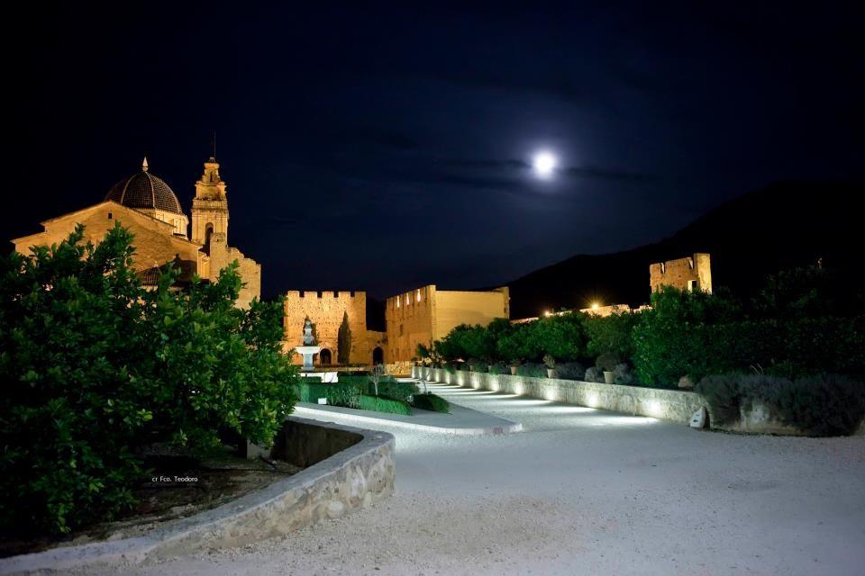 El Monasterio de noche. Foto de Francisco Teodoro