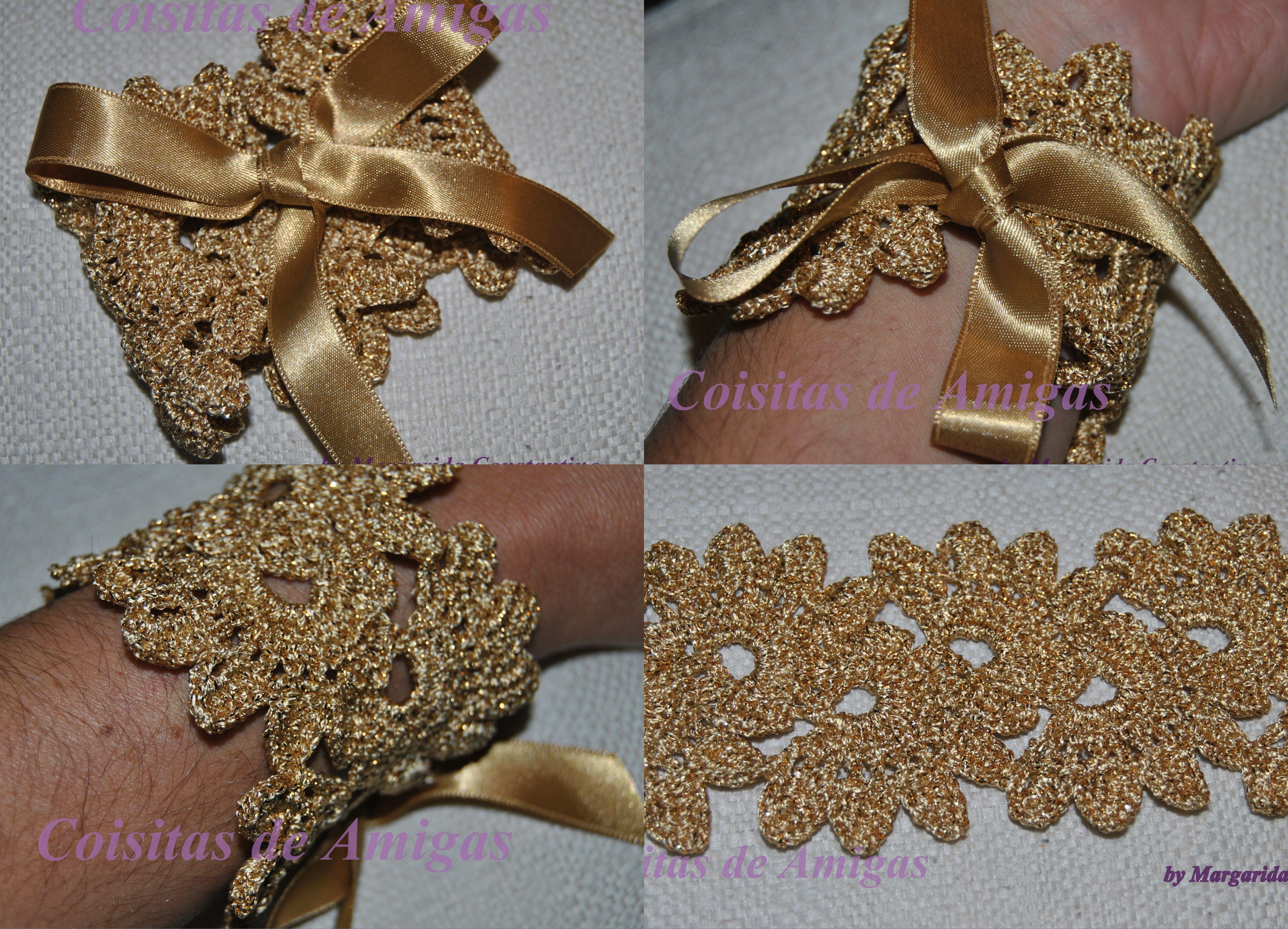 Pulseira de crochê em dourado fechando com laçarote