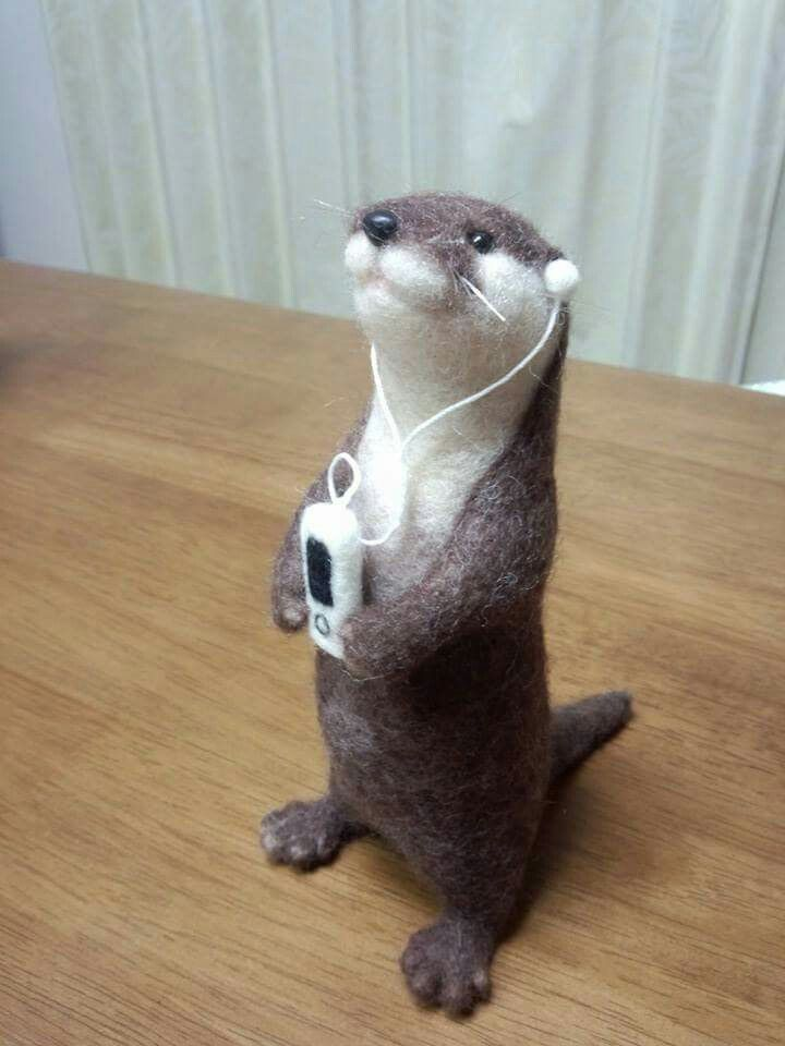 Otter needlefelted