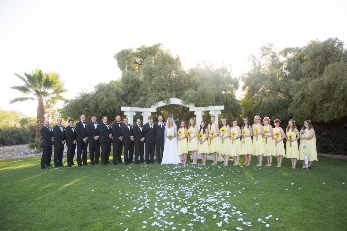 Scottsdale Backyard Wedding | Check out this HUGE Wedding Party! Sadie Such Photography and Films