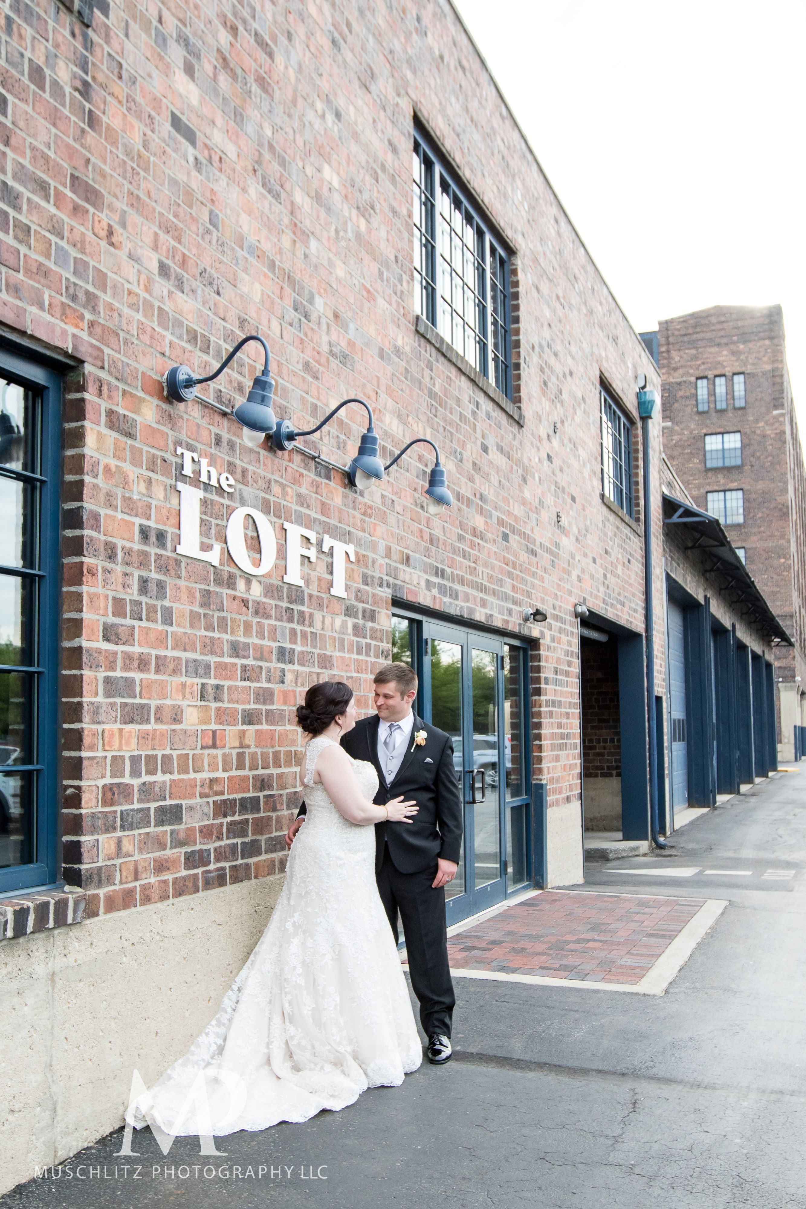 Talk About A Beautiful Wedding Loved Kelly And Scott S Spring Wedding At Dock580 Special Thank You To Their Vendo Wedding Ohio Wedding Wedding Party Photos