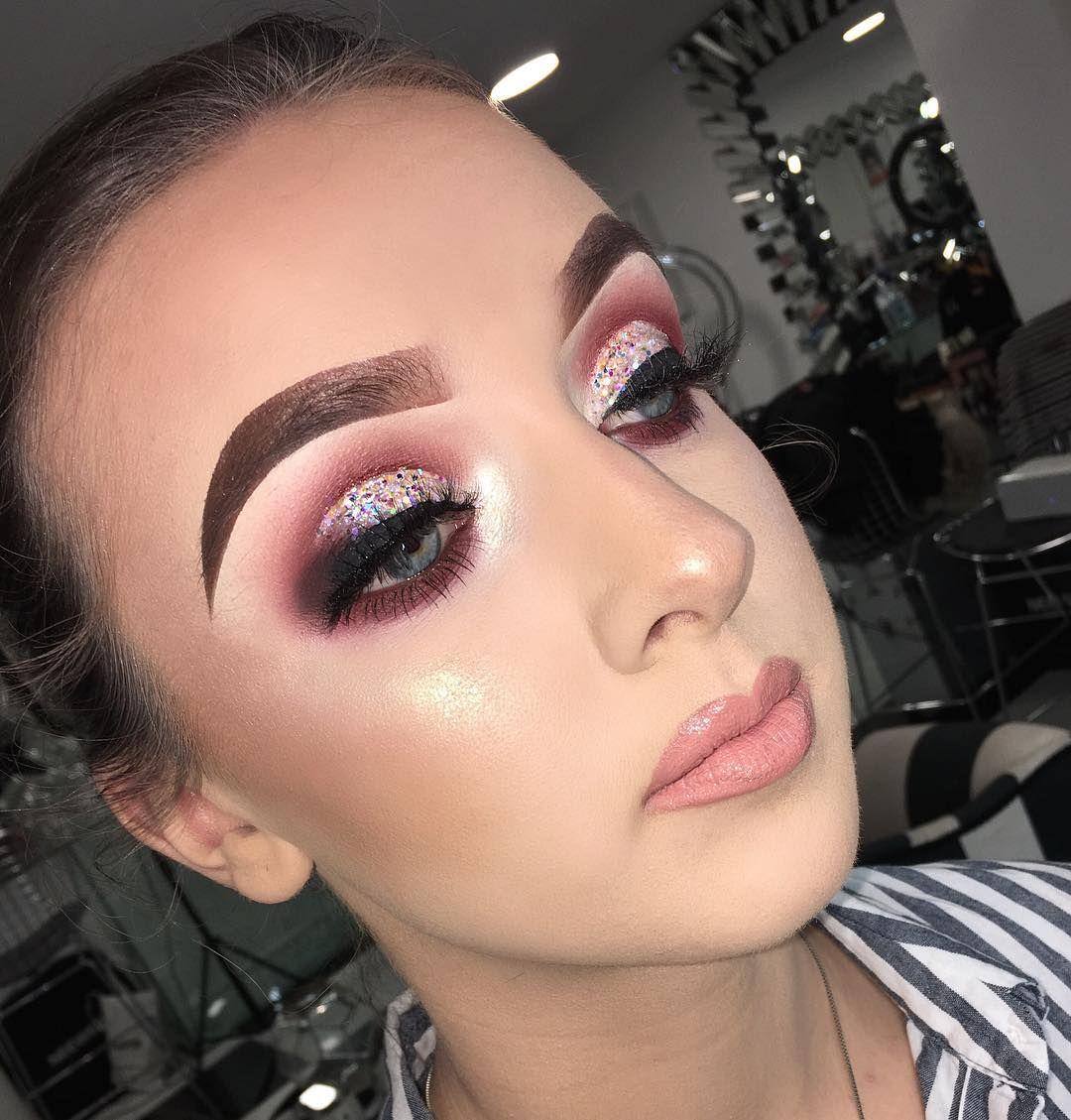 @tatti_lashes TL4 @anastasiabeverlyhills @nyxcosmetics warm neutrals @magpie_beauty Glitter in Crystal @mirellecosmetics Angela's Angel @jouercosmetics Skinny Dip Gloss