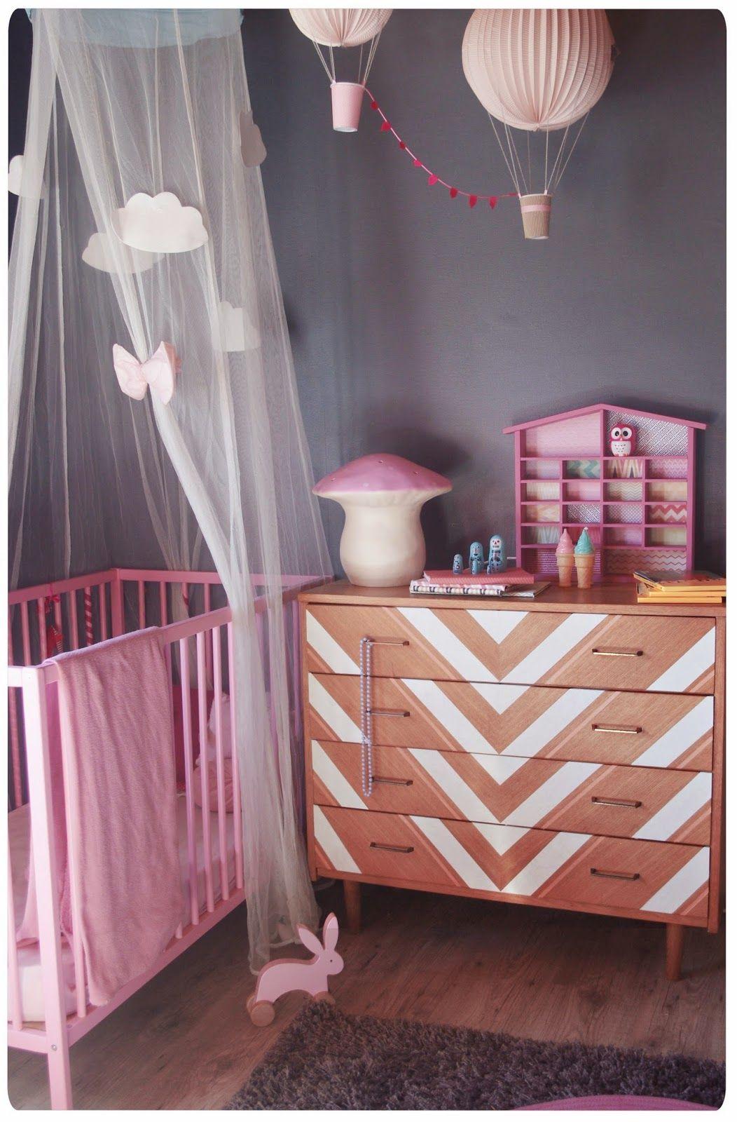 chez cette fille chevronn e cette commode du vintage au. Black Bedroom Furniture Sets. Home Design Ideas