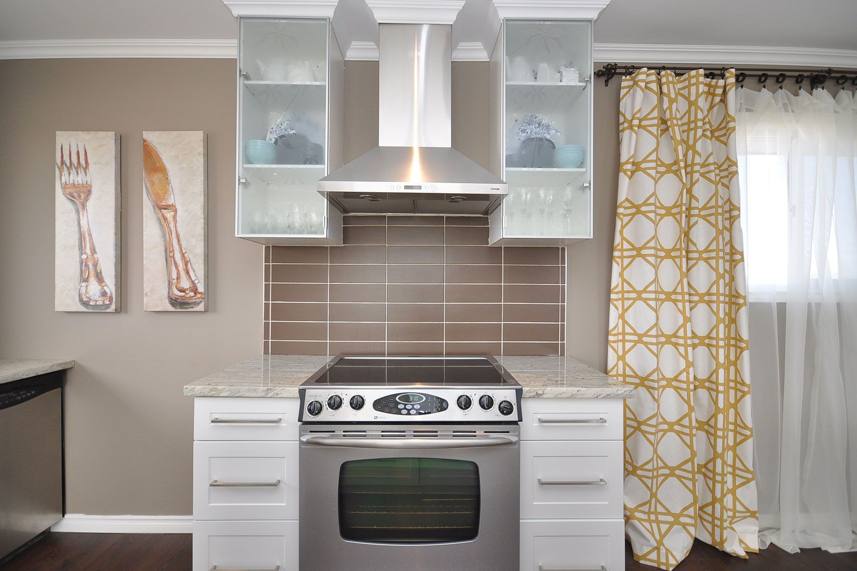 kitchen reno ikea nickelby frosted glass cabinets chocolate tile backsplash river white. Black Bedroom Furniture Sets. Home Design Ideas