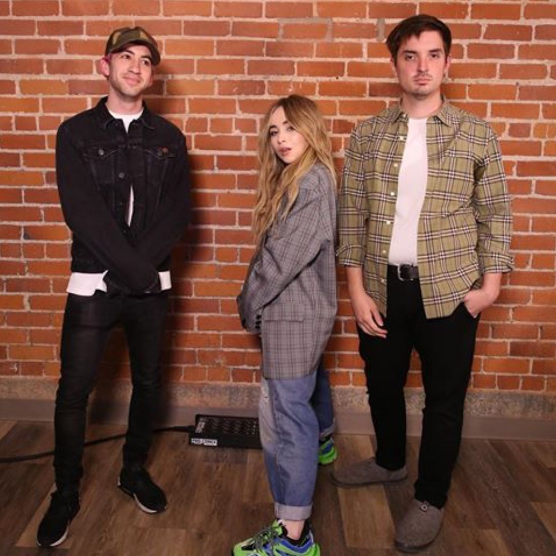 2019 Sabrina Carpenter Interview On The Zach Sang Show In Los Angeles Ca With Radio Personalities Dan Zolo Sabrina Carpenter Outfits Sabrina Carpenter Sabrina