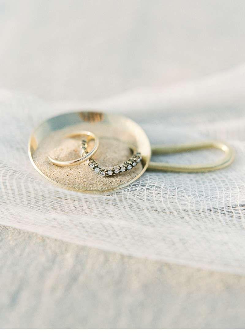 Desert Bridal Shoot - Jessica Scott Photography - www.hochzeitsguide.com