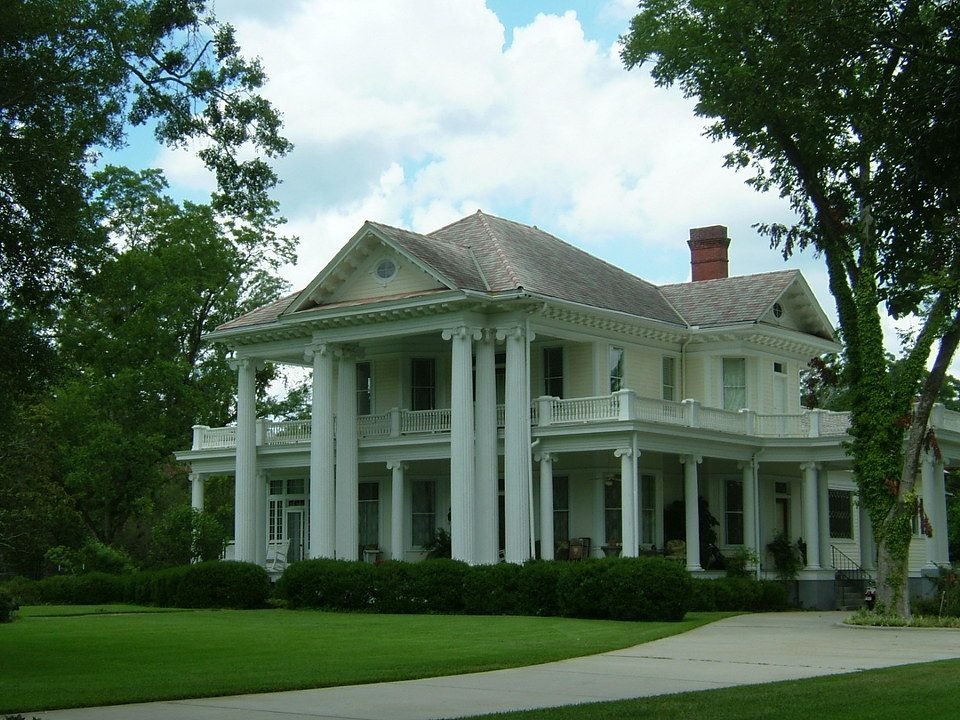 Brookhaven ms brookhaven antebellum mansion for Antebellum homes