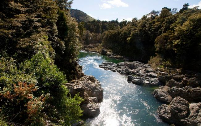 Top 10 Places In Middle Earth Actually Existing In New Zealand Everything Here Vacation Diet Fitness And More Tourist Places Middle Earth New Zealand