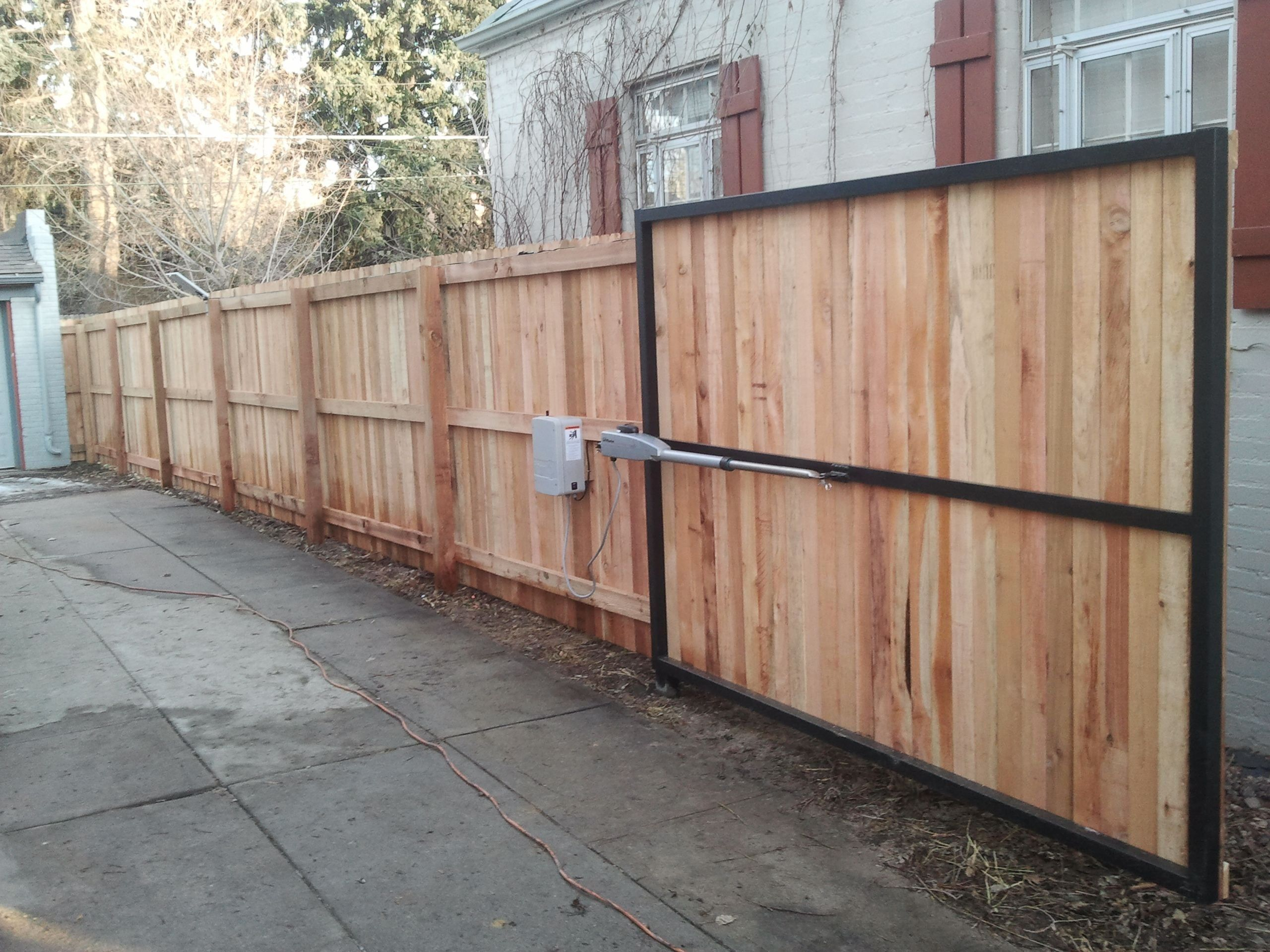 modern design in 2020 cheap fence cheap privacy fence on inexpensive way to build a wood privacy fence diy guide for 2020 id=51808
