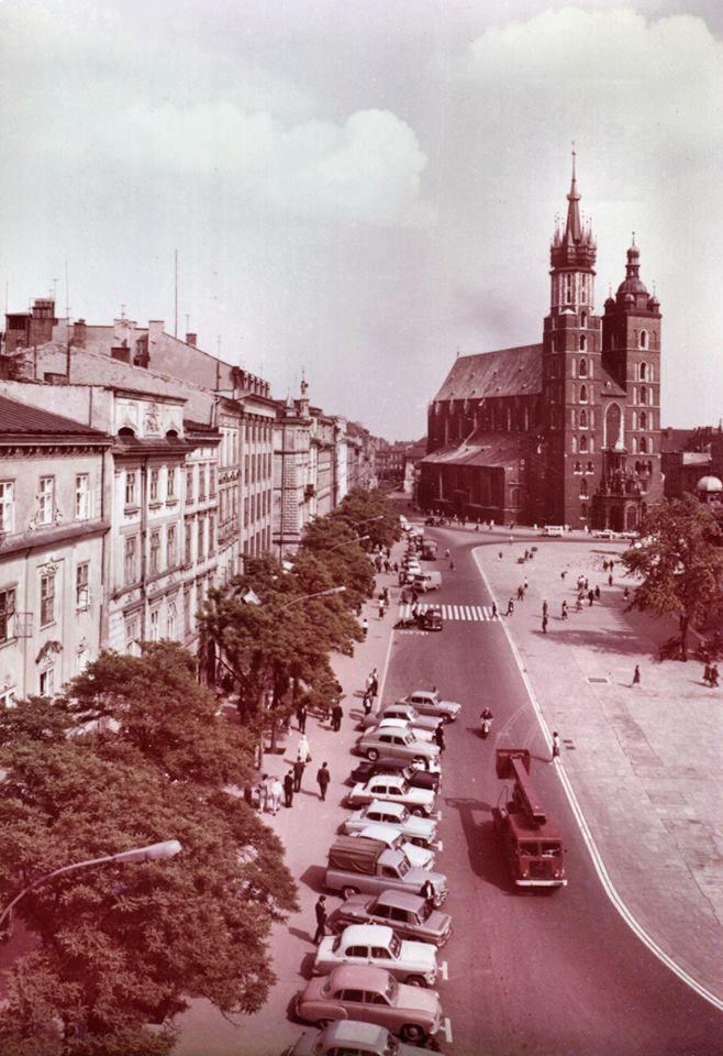 Krakow Ciekawostki Tajemnice Stare Zdjecia Rynek Glowny I Kosciol Mariacki W 1968 Roku Krakow Poland Photo