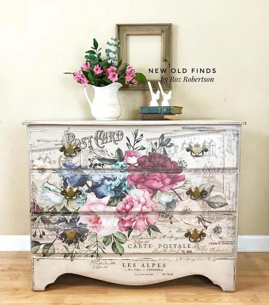 Roz Robertson of @newoldfinds used our new [re]design transfer Imperial Garden on this beautiful dresser. She shows it off perfectly. New transfers are shipping to retailers first week in September. See Roz's page for more gorgeous creations using the new transfers and more! ������#redesigntransfers #homedecor #diy #diyhomedecor #furniture #furnitureartist #upclcyed #diyfurniturebench