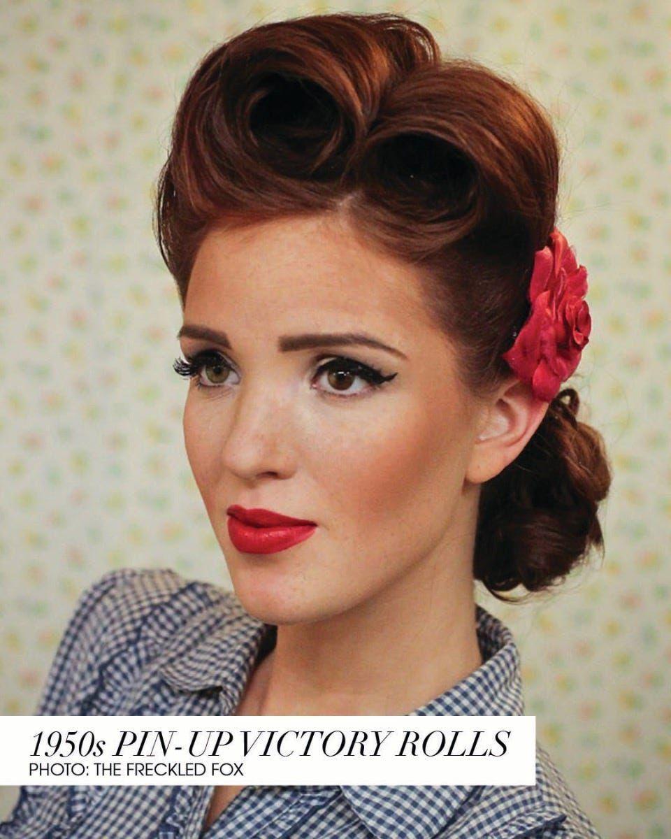 17 Statement Vintage Hairstyles Bun Victory Rolls In 2020 Ouderwets Kapsel Vintage Kapsels