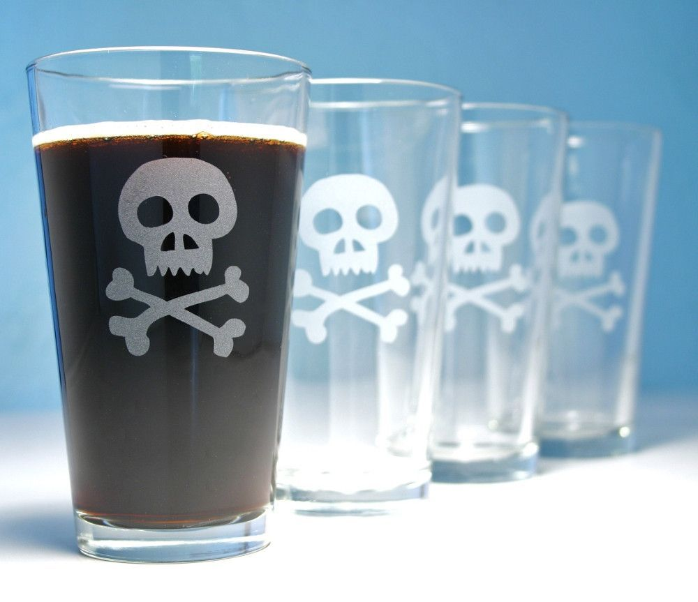 Skull and Bones Pint Glass | Kitchen WANTS | Pinterest