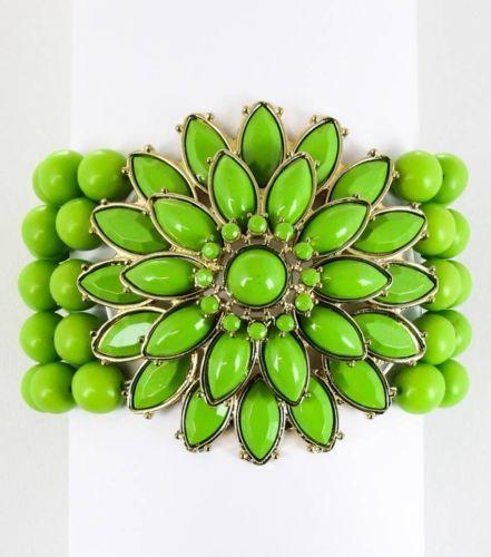 Five Line Green Lucite Stud Hobo Flower Pendant Stretch Bracelet