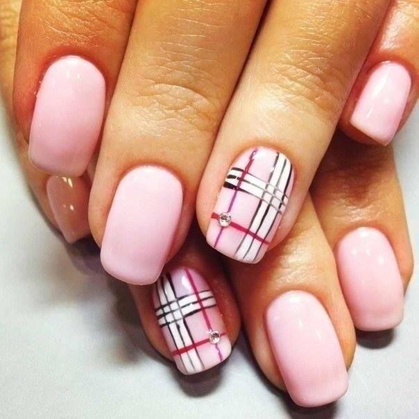 Modele De Unghii Cu Oja Permanenta 8 Love It Plaid Nails Plaid