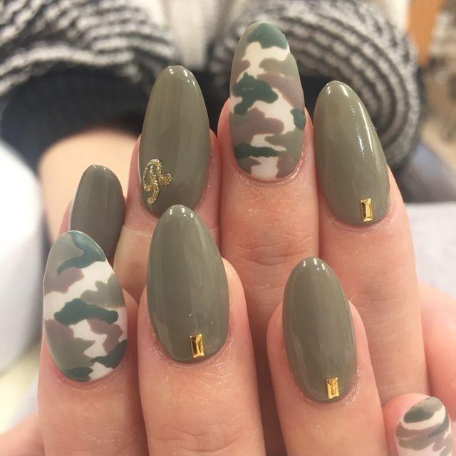 #Nailbook #カモフラージュ #グリ  Autumn Nails, Army Nail Art, Army Nails - ハンド/カモフラージュ/ミディアム/グリーン/グレージュ - BatikNailの