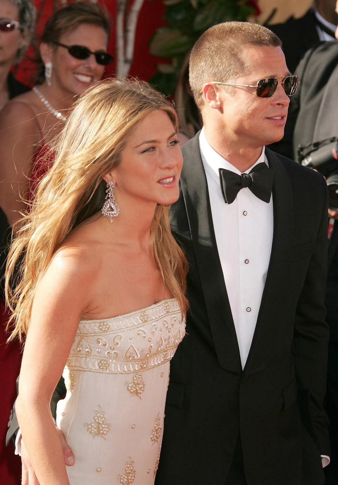 Brad Pitt Jennifer Aniston Celebrated The Holidays Together Brad Pitt Jennifer Aniston Brad Pitt And Jennifer Jennifer Aniston Wedding