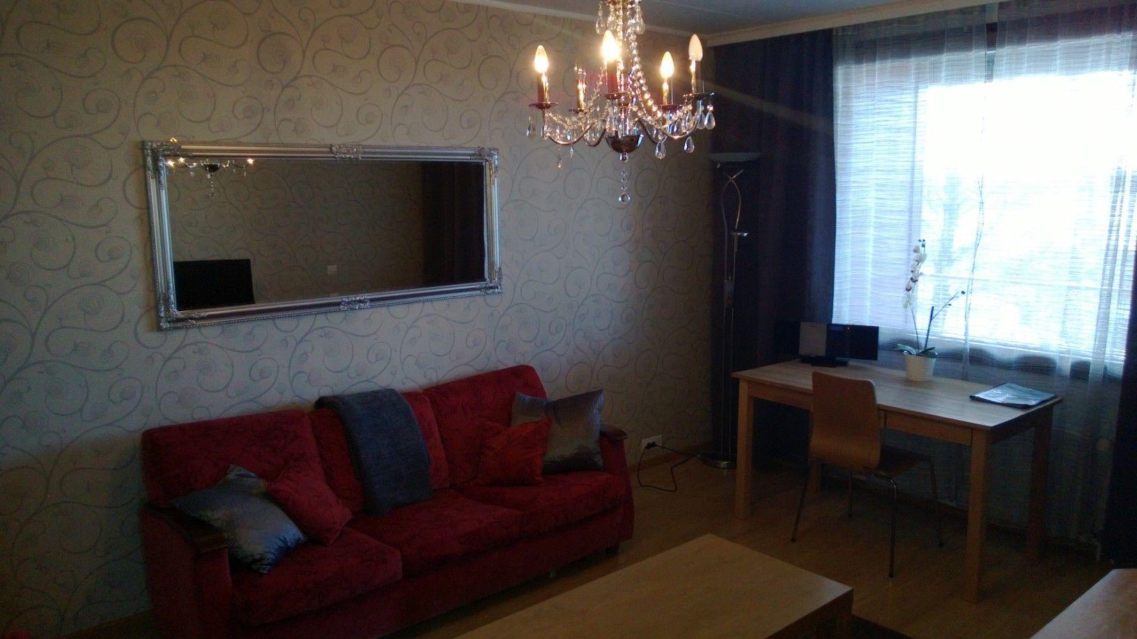 Family suite with sauna, iso sviitti erillisellä makuuhuoneella ja keittiöllä