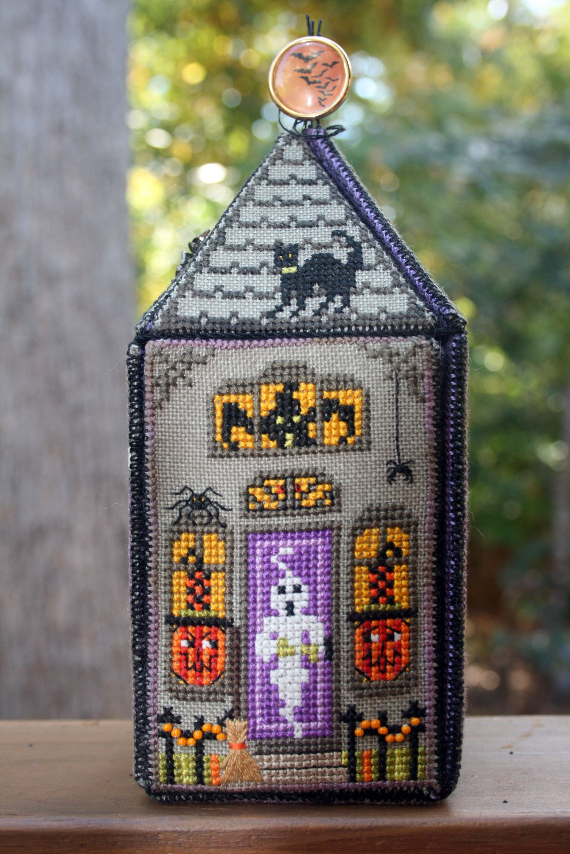 Nan' Scream House Needlework Halloween Cross Stitches Stitch Embroidery 123