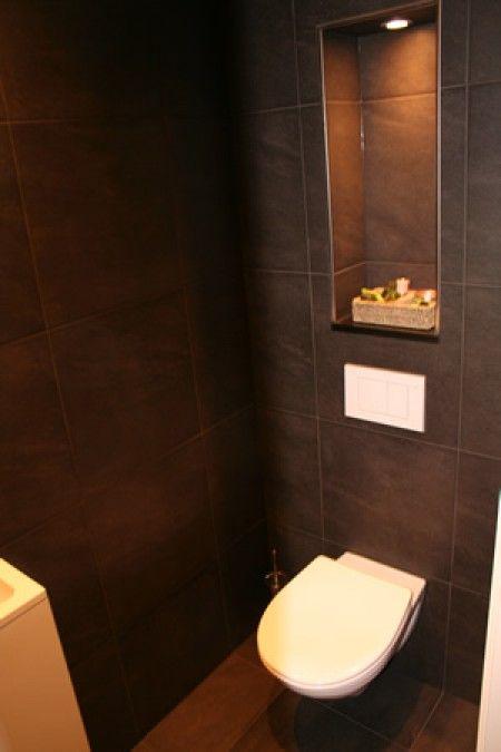 Idee voor hangend toilet met nisje erboven toilet wc pinterest badkamer verlichting en met - M badkamer idee ...