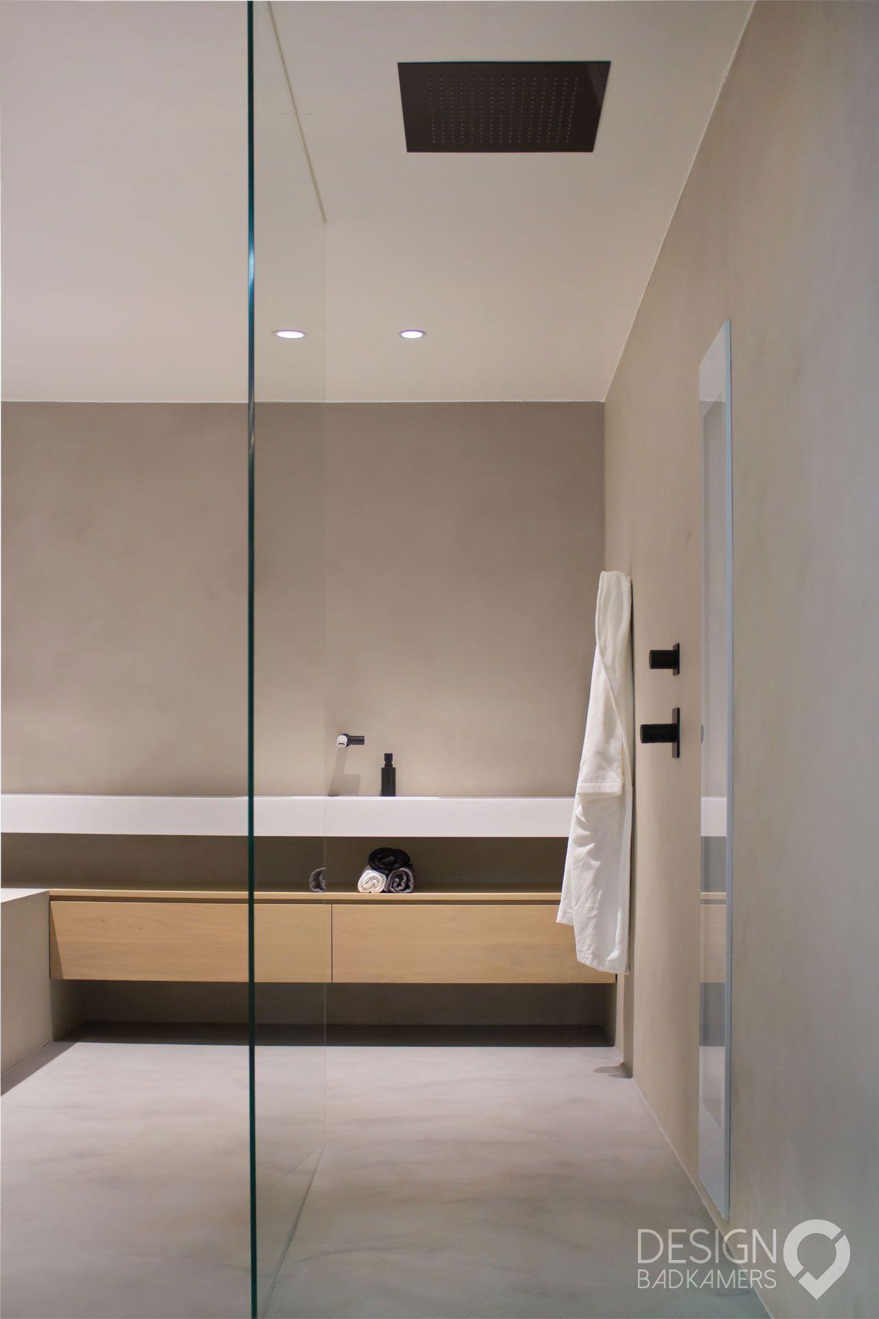 maatwerk badkamer met gebruik van micro beton betoncir op de vloer muren en zijkant van het. Black Bedroom Furniture Sets. Home Design Ideas